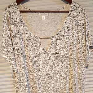NWOT Soft black and white Jaclyn Smith top