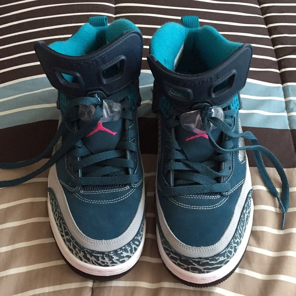size 40 3fb74 3b962 Nike Jordan Spizike Men s Basketball shoes Sz 9. M 5a11f0512fd0b7b382090f29