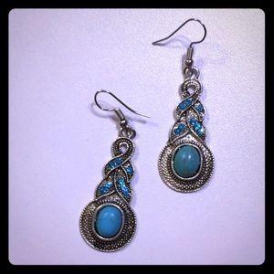 Ladies turquoise dangle earrings