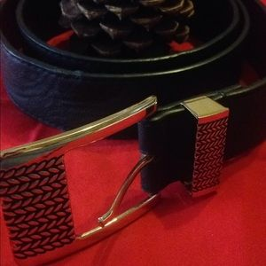 Woman's M/L Black Belt With Gold Buckle