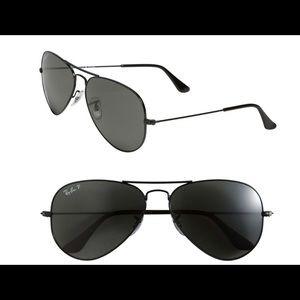 Black polarized Ray-Ban sunglasses 58mm