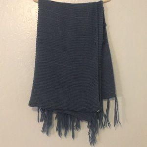 "Used Lularoe ""Mimi"" poncho/blanket scarf"