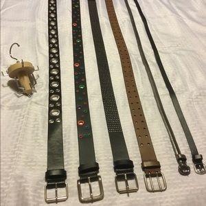 Bundle of Belts & Belt Hanger