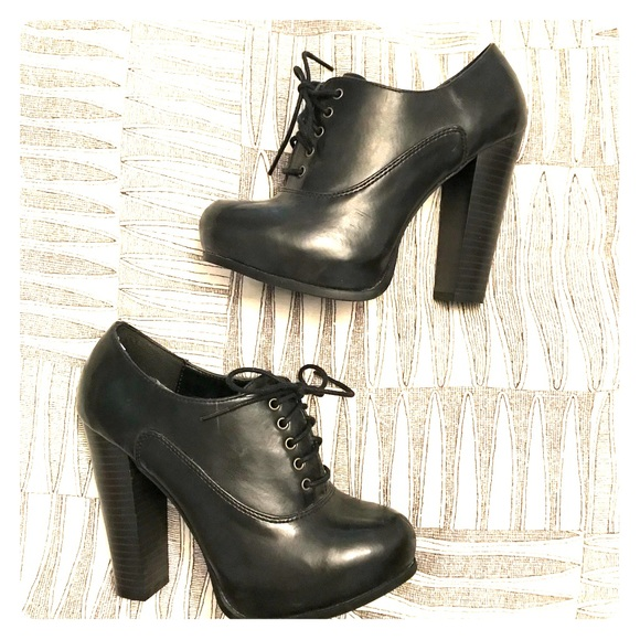 72a3a15deb1e Call It Spring Shoes - 🌹call it spring oxford heel bootie🌹