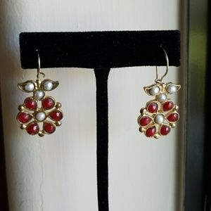 Jewelry - Great red and white stone earrings