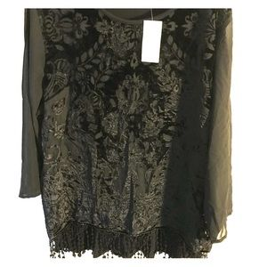 (NWT) Chico's Top, perfect for the holidays...