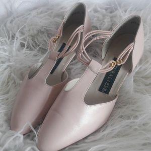 Cute light pink vintage heels