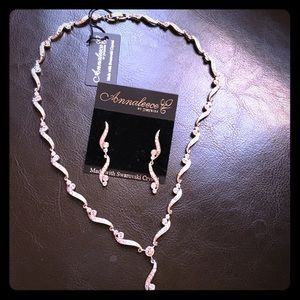 Swarovski crystal necklace/set  (Brand New)