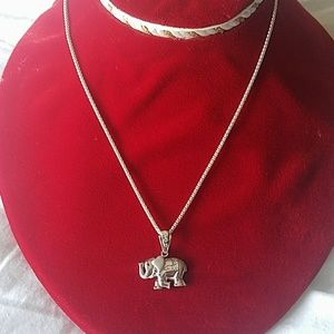 New Sterling silver 9.25 elephant necklace