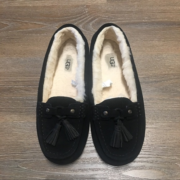 8014b7f26bf Almost new UGG Litney Mocassin Loafers Slippers