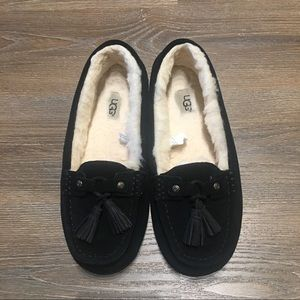 Almost new UGG Litney Mocassin Loafers Slippers