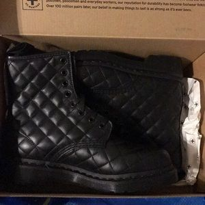 Dr martens Coralie quilted docs