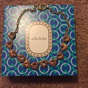 Stella and Dot Peach necklace