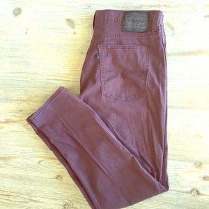 Men's Levi's maroon jeans