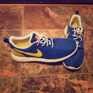 Nike Roshe One retro. Brand new!