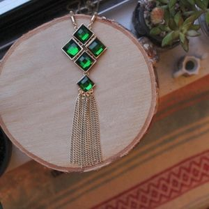 Wreath Long Green Necklace