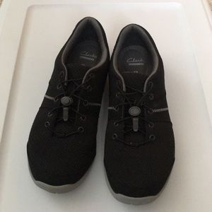 Clarks black shoes with stretchy laces