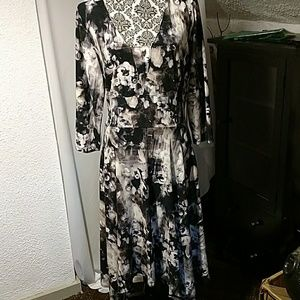 NWT subtle floral print dress by Vera Wang XL