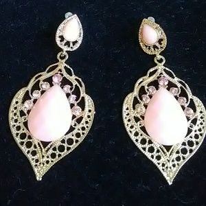 Jewelry - Earrings blush color new