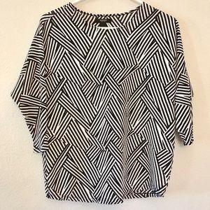 NWT Alfani Petite Black White Abstract Blouse