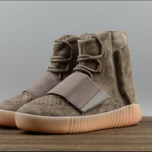 Adidas Yeezy Boost 750 fashion sneaker shoes