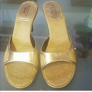 Flash sale!Gucci gold heels