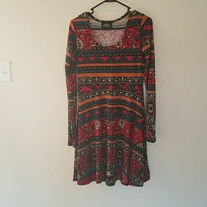 Dresses & Skirts - Gorgeous sweater dress size small multicolor