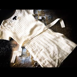 ⭐️NWT⭐️Jessica Simpson White Belted Sweater