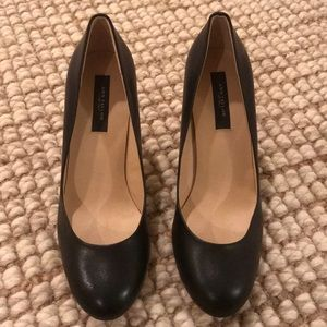 Ann Taylor black high - heel pumps
