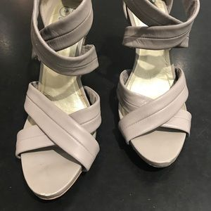Cool grey high heeled Seychelles sandals. Size 8.
