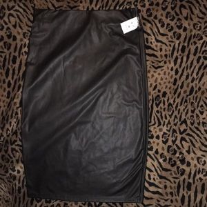 NWT Body central black pleather pencil skirt M