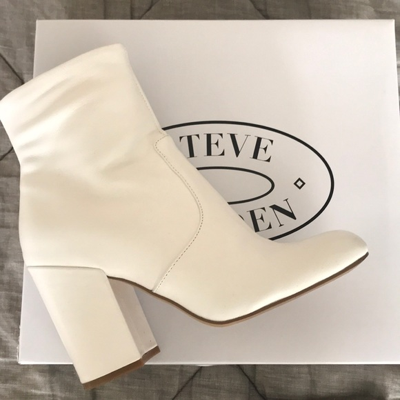 564d21acb2a BLACK FRIDAY SALE Steve Madden White Booties   . M 5a120704522b45b76009a087