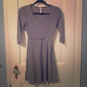 Black and white striped long sleeve dress XS