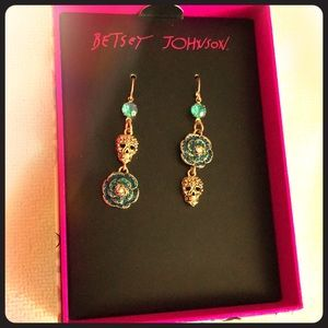 Betsey Johnson Blue Skull earrings