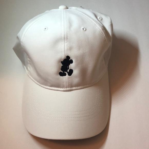 Disney Parks Nike dri fit Mickey white golf cap. M 5a1208ab99086a3eb609a72e dc51cc539e9