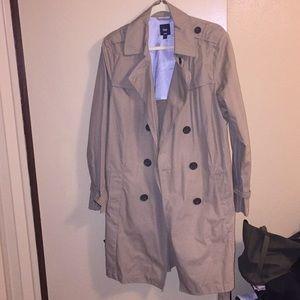Classic Gap trench coat in tan