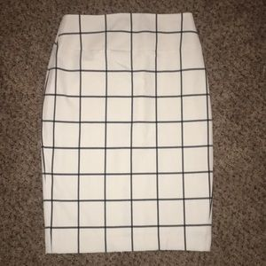 Express, size 10, white and black pencil skirt