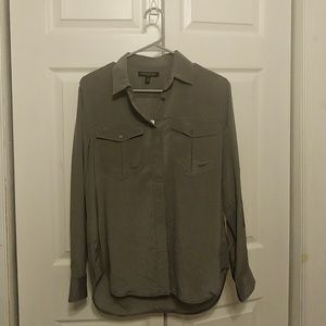 Banana republic XS 100% silk shirt