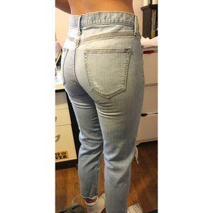 Sexy Boyfriend GAP Jeans 28 Light Wash Distressed