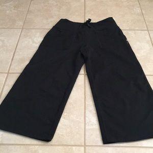 ZELLA CROP YOGA / ATHLETIC PANTS SZ 0 BLACK NWOT