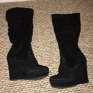 Forever 21 wedge nigh boots size 6 black .