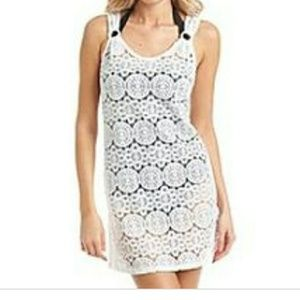 Laser cut cover-up in white