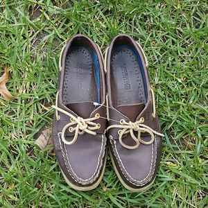 {Sperry} leather top-siders