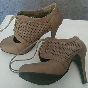 """Brown """"bootie"""" style heel"""