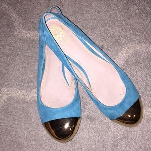 VINCE CAMUTO SZ 10 Turquoise and gold suede flats