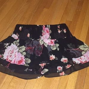 Express size small black with flowers skirt