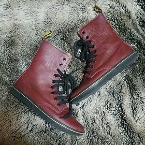 Leather Combat Dr. Martens
