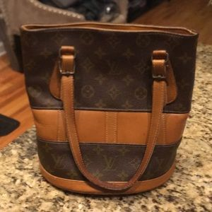 Louis Vuitton USA bucket bag