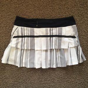 Pacesetter Skirt Groovy Stripe Nimbus Black Sz 8