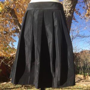 EUC - Ann Taylor pleated taffeta skirt Sz 14